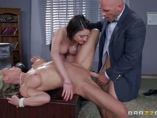 daddy Johnny Sins is a dirty personage who delights in striking honey student mools like hot brownish hair inquire Ryder. But milfy Dean Simone Sonay