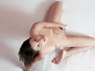 fashionable damsel Milagres can not stop toying her bush