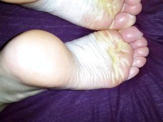 feet4 hd wife