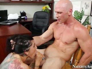 Johnny Sins stretches badly behaved Romi Rains pussy with his rock solidified relish wand to the constraint