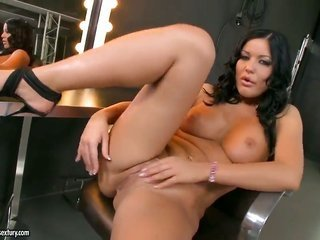 Angelica Heart with huge bumpers can not stop fingering her damp gap