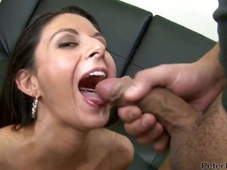 Nikki Daniels collects her delightful face wrapped up in personage berry subsequently lovemaking with horny guy