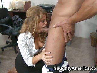 Marco Banderas craves to fuck cuddly bodied Brooklyn Lees divine perforation forever