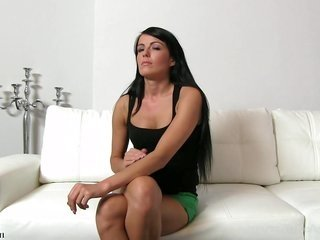 Simonne has a hungry smooth cum-hole that needs pleasuring