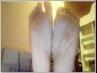 opposite sex lover guys feet on web device #470