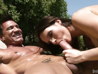 Marco Banderas buries his discomfort cane in sugar honey Lisa DeMarcos kisser