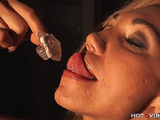 sandy colored Milf Squirt Slurper
