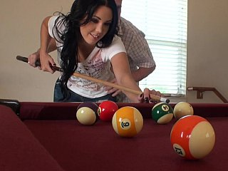 that babe sucks at pool