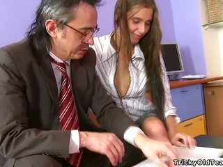 horny advisor is pulsating sweet chick senseless