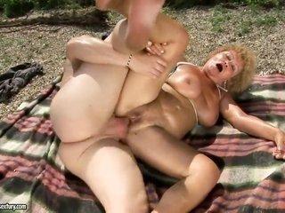 Effie gets a convivial honeypot fuck in voluptuous manoeuvre with sweet dude