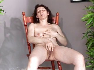 grown with runty saggy melons makes herself cum additionally squirt